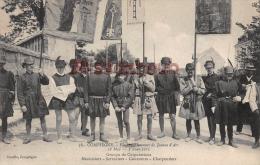 60 - COMPIEGNE - Fête En L'honneur De Jeanne D'Arc  1911 - Groupe De Corporations - Dos Vierge - 2 Scans - Compiegne