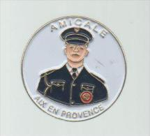 PINS PIN'S POLICE AMICALE AIX EN PROVENCE - Police
