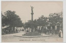 03 VARENNES SUR ALLIER, Monument De La République, Bien Animée - France