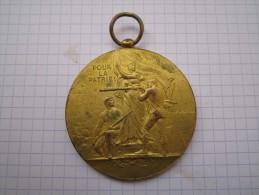 Médaille--POUR LA PATRIE--entrainez-vous-a-l'école-de-tir- - France