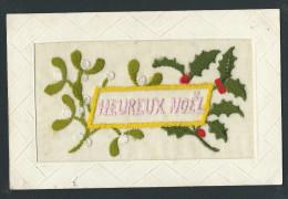 L803 - Heuruex Noel - Carte Brodée - Noël