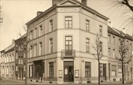 MORTSEL OUDE GOD - FOTOKAART / Moederkaart - Winkel Hoek Statielei en Prins Leopoldlei (nu Brasserie La Capitale)