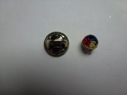 Pin's , Rosette Tricolore , Décoration , Armée Militaire - Militares