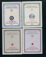 COLLECTION FRANCE  30 CARNETS CROIX ROUGE DIFF. 1953/1983 NEUFS** TB/SUP COTE 875 � .