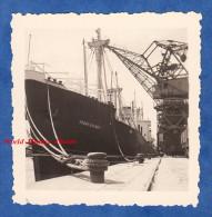 Photo ancienne - Port � identifier - Beau Paquebot / P�trolier FRANCK DELMAS - Le Havre ? - Bateau Grue Cargo Boat