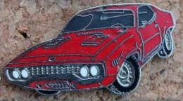 VIEILLE VOITURE US ROUGE MUSTANG   -       (5) - Badges