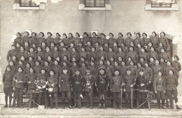 CARTE PHOTO- CHASSEURS ALPINS  PHOTO DE GROUPE   2 MITRAILLEUSES - Guerre, Militaire