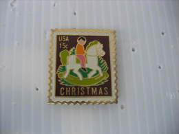 Pin´s Timbre USA  15 Cts US Postage. Christmas - Postes