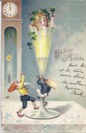 BONNE ANNEE - LUTINS -ANGE UN VERRE A LA MAIN DANS VERRE A PIED-HORLOGE MARQUE -CARTE GAUFFREEMINUIT - Nouvel An