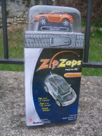 RADIO SHACK   --   NISSAN 350Z            Scala 1/64 - Modelos R/C (teledirigidos)