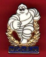 21909-pin´s Michelin Bibendum.signé Arthus Bertrand - Arthus Bertrand