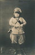FEMMES - SPECTACLE - ARTISTES 1900 - Jolie Carte Fantaisie Portrait Femme Artiste En Tenue Militaire - BLOCK - Femmes