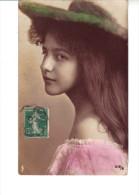 CPA  - Belle Jeune Fille - Portraits