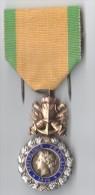 MEDAILLE VALEUR ET DISCIPLINE 1870  REPUBLIQUE FRANCAISE - Médailles & Décorations
