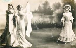 MONTAGE PHOTO SURREALISME ACTRICE THEATRE FEMME