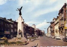 Charleroi - Avenue De Waterloo Et Monument Aux Martyrs - 5 - Formato Grande Viaggiata Mancante Di Affrancatura - Charleroi