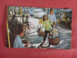 Vietnam -Saigon  Sidewalk Vendor  ---ref 1728 - Vietnam