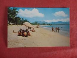 Beach Scene At Nha Trang---  --------- ------ref 1728 - Vietnam