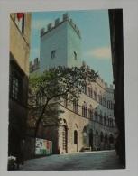 SIENA - Palazzo Chigi Saracini - Sede dell� Accademia Musicale Chigiana