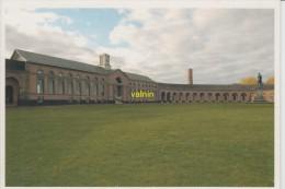 Vue De La Maison Des Ingenieurs Depuis La Cour Ovale De L Ancien Charbonnage Du Grand-hornu - Boussu