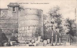 Cp , 89 , SENS , Ancien , Une Tour Des Anciens Remparts - Sens