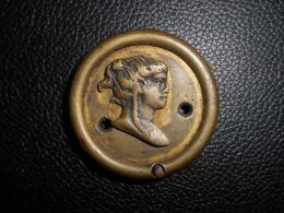 Element d�ameublement Decor Mobilier Style & Epoque Empire bronze dor� d�cor effigie Minerve