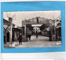 LEGION ETRANGERE-entrée De La Caserne Animée--siddi Bel Abbès-a Voyagé En 1956 - Regimente
