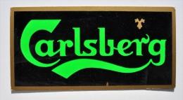 Bière CARLSBERG - Ancien Carton De Bistrot Partiellement En FEUTRINE Noire - Enseignes