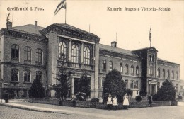GREIFSWALD I. POM. : KAISERIN AUGUSTA VICTORIA SCHULE / ÉCOLE / SCHOOL - ANNÉE / YEAR ~ 1910 - 1920 (r-766) - Greifswald