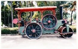ROAD ROLLER: Sri Lanka - Stoomwals / Rouleau à Vapeur  - (1) - Trains