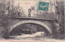 L Ariege Serres Sur Arget Vallee De La Barguillere Pont De L Arget A La Mouline Animée Femme Et Ombrelle 1910 - Autres Communes