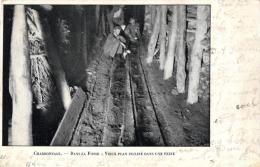 METIER - MINE - CHABONNAGE - Dans La Fosse : Vieux Plan Incliné Dans Une Veine. - Mines