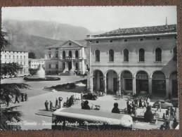 VITTORIO VENETO -PIAZZA DEL POPOLO -MUNICIPIO -ANIMATA BELLISSIMA 1955 - Non Classés