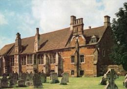 Postcard - Lyddington Bede House, Leicestershire. P1 - Leicester