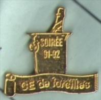 CE De Forcilles. La Bouteille De Champagne Dans Le Seau - Boissons