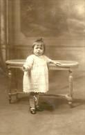 A Identifier. Cpa Photo D'une Petite Fille Nommée Christianne Mautuit à L'age De 20 Mois, Photo A Fornallaz à Le Havre. - A Identifier