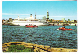 Germany - Hamburg Harbour - Hafen - Port - Schiff - Ship - Dampfer - Dampfer