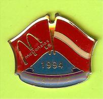 Pin's Mac Do McDonald's Drapeau Lettonie / Latvia ( 1er Restaurant 1994) - 9X21 - McDonald's