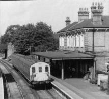 Chertsey Railway Station EMU Weybridge Train - Railway