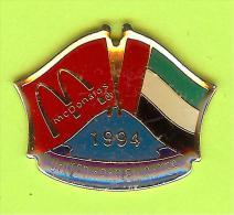 Pin's Mac Do McDonald's Drapeau Émirats Arabes Unis / United Arab Emirates (1er Restaurant 1994) - 10X23 - McDonald's
