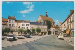 Eure Et Loire :  EPERNON  : La  Palce  1980 (  Voiture) - Epernon