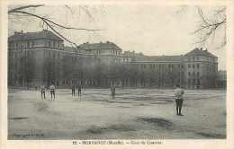 Nov14 1989: Morhange  -  Cour Du Quartier - Morhange