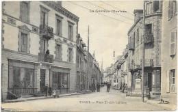 USSEL  Cpa(19)  Place Treich-Laplène  -  La Corrèze Illustrée - Animation - -@RARE@ - Ussel