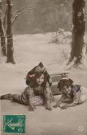 ENFANTS - LITTLE GIRL - MAEDCHEN - Jolie Carte Fantaisie Portrait Enfants Avec Luge Dans La Neige - Portraits