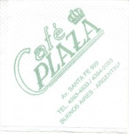 NAPKIN PAPEL SERVILLETA PAPER SERVIETTE  - CAFE PLAZA - AVENIDA SANTA FE ESQUINA CARLOS PELLEGRINI BARRIO NORTE BUENOS A - Serviettes Publicitaires