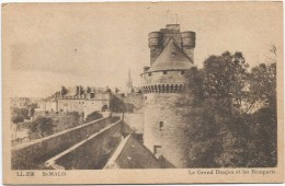 I2499 Saint Malo - Le Grand Donjon Et Les Remparts / Non Viaggiata - Saint Malo