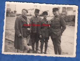 Photo Ancienne - MOYEN Meurthe Et Moselle - Officiers Du 37e Régiment - Dr Laurence Adjudant El Kobi & Perrot - 1939 Ww2 - Guerre, Militaire