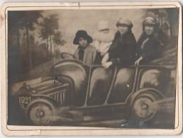 Photo Montage Exaggeration Souvenir Voiture Auto Foto 1921 - Personnes Anonymes