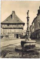 Cpa SAINT CERE Place Du Marcadiol Fontaine Et Maison Du Xvi Siecle - Non Classés