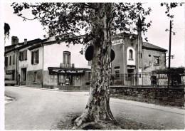 Carte Postale - Moncrabeau - Lot&Garonne - La Place Et L'Hôtel - Autres Communes